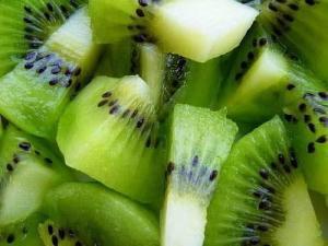 绿色水果急售陕西周至海沃德猕猴桃
